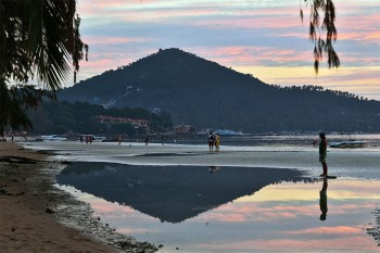 Pôr-do-sol numa das praias da ilha de Koh Lipe, na Tailândia.