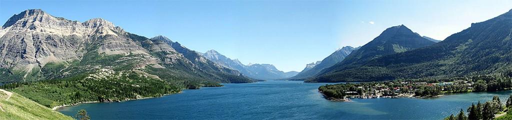 Panorâmica sul desde o Hotel Prince of Wales, no Parque Nacional Waterton, Canadá.