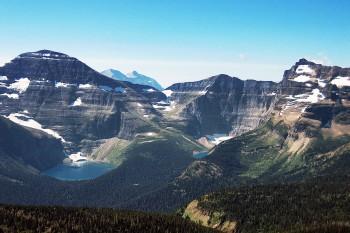 Um dos pontos mais altos, com vista para lagos e montanhas, durante a caminhada no Parque Nacional de Waterton, Canadá.