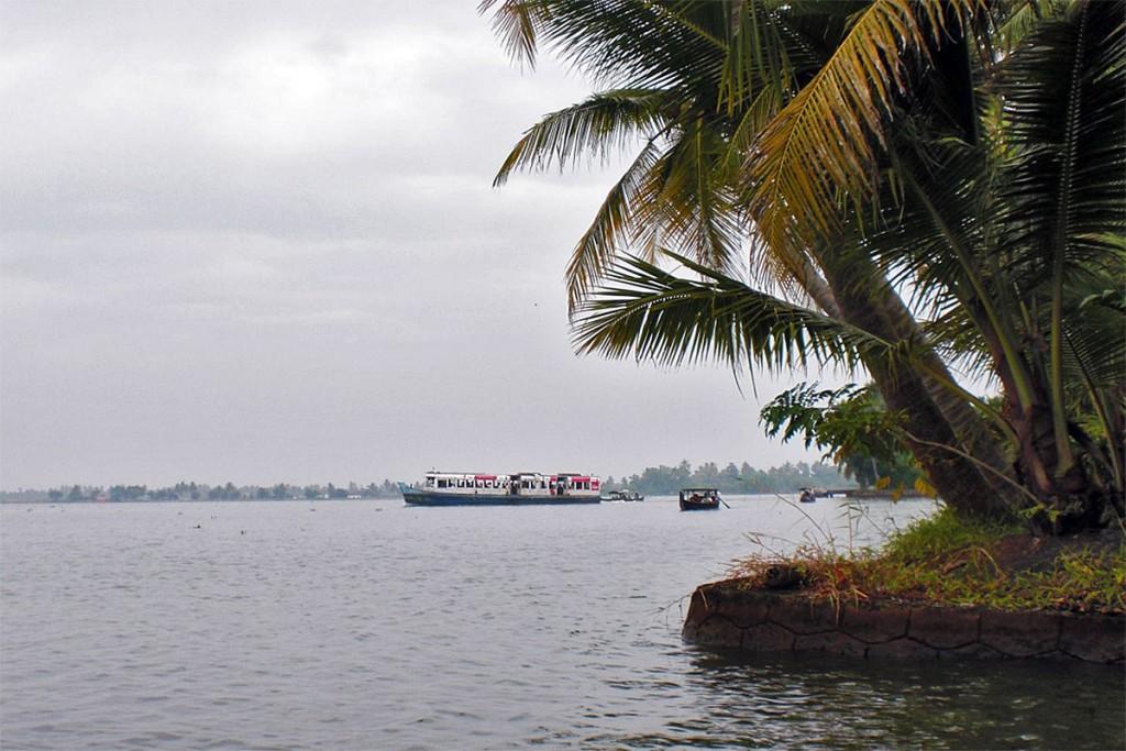 Vários backwaters nos remansos de Alappuzha, no estado indiano de Kerala.