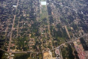 Vista aérea da periferia de Buenos Aires, Argentina.