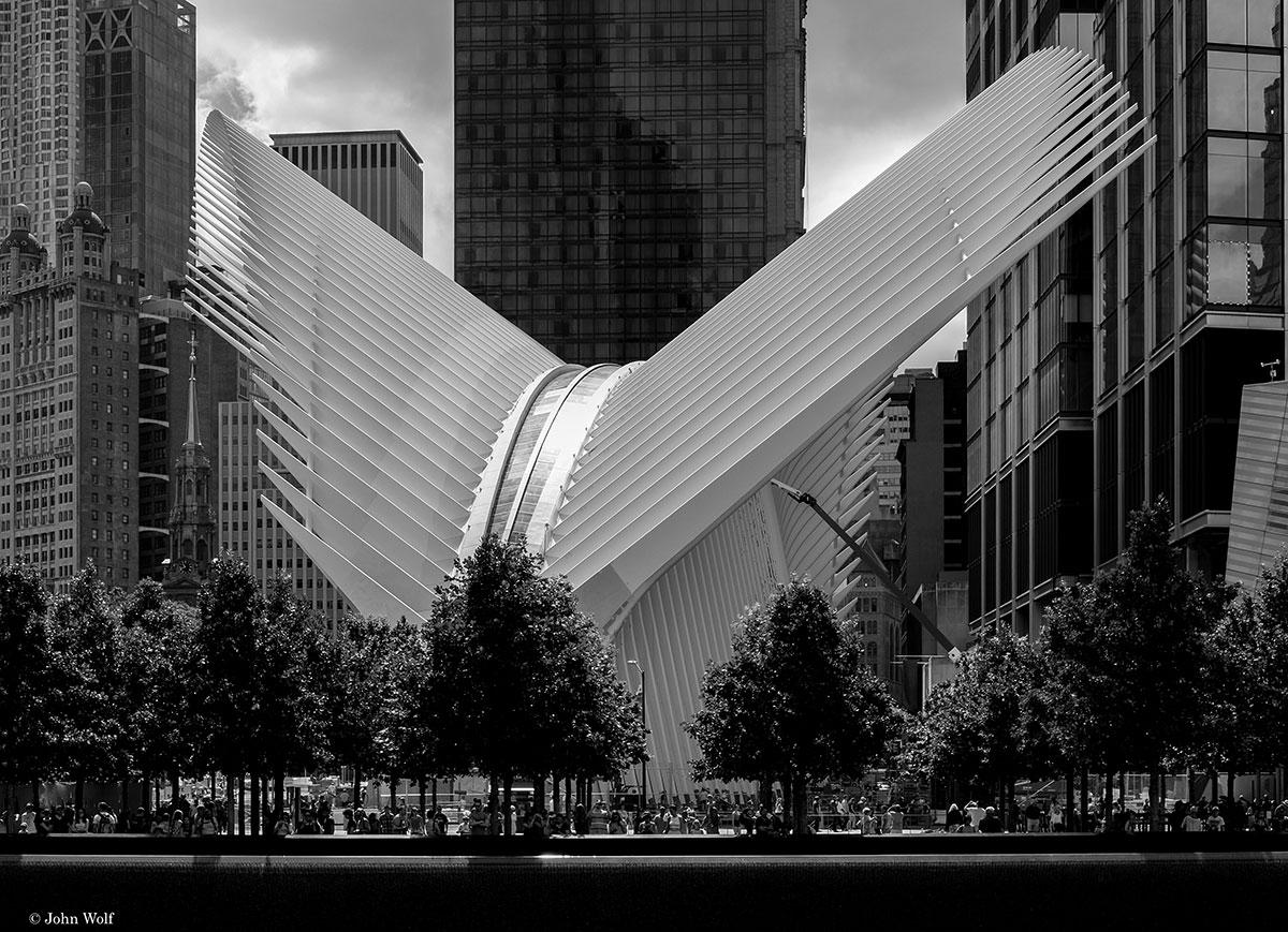 Estrutura no memorial do Ground Zero, em Nova Iorque.