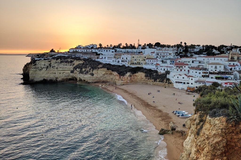 Pôr-do-sol na Praia do Carvoeiro, Algarve